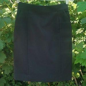 NWT Black skirt w/ pockets Size 6